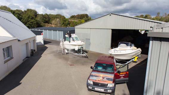 Hivernage caravane combrit location de garage for Location garage caravane